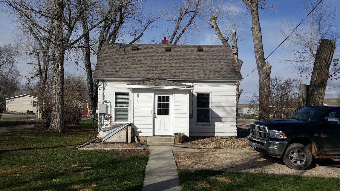 1033 Water Street,Clearmont,Wyoming 82835,3 Bedrooms Bedrooms,1 BathroomBathrooms,Residential,Water,17-1216