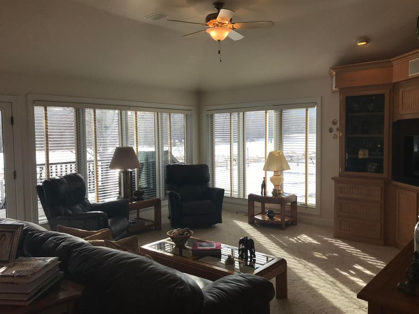 19 Stagecoach Drive,Sheridan,Wyoming 82801,5 Bedrooms Bedrooms,3.5 BathroomsBathrooms,Residential,Stagecoach,18-77