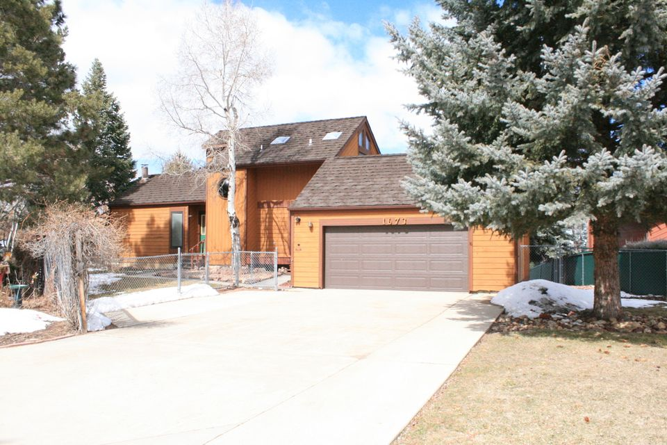 1673 Edwards Drive,Sheridan,Wyoming 82801,3 Bedrooms Bedrooms,2.5 BathroomsBathrooms,Residential,Edwards,18-326