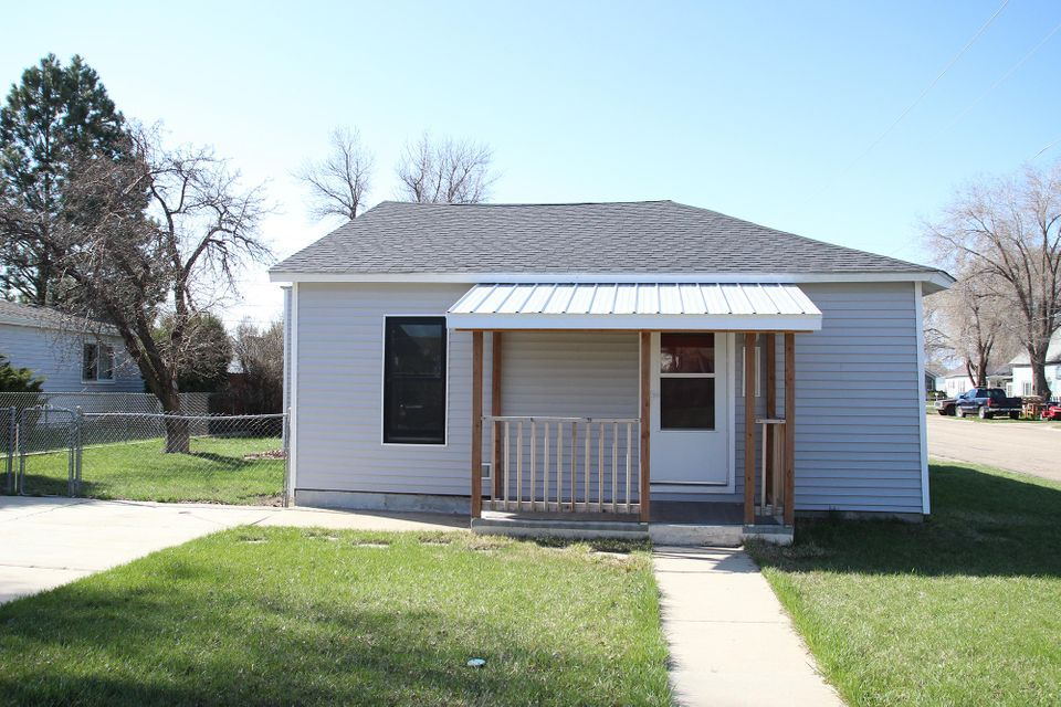 706 Loucks Street,Sheridan,Wyoming 82801,3 Bedrooms Bedrooms,2 BathroomsBathrooms,Residential,Loucks,18-384