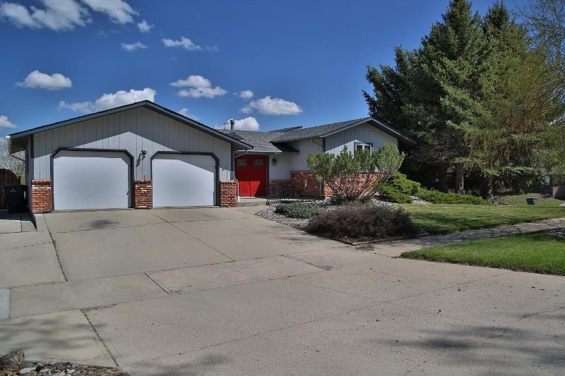 851 Thurmond Street,Sheridan,Wyoming 82801,3 Bedrooms Bedrooms,3.5 BathroomsBathrooms,Residential,Thurmond,18-427