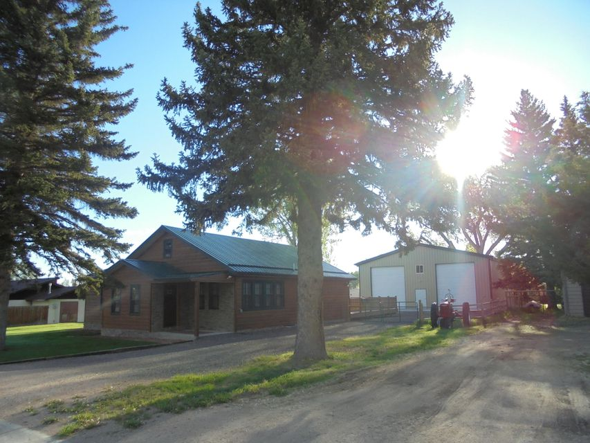 619 Main Street, Dayton, Wyoming 82836, 2 Bedrooms Bedrooms, ,1 BathroomBathrooms,Residential,For Sale,Main,18-530