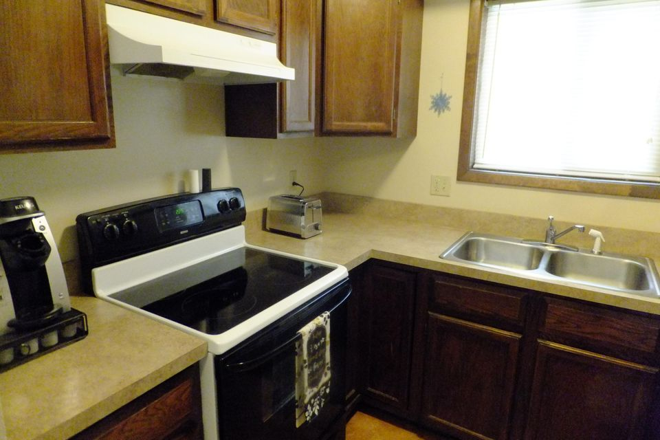 1977 Edwards Drive,Sheridan,Wyoming 82801,2 Bedrooms Bedrooms,1 BathroomBathrooms,Residential,Edwards,18-668