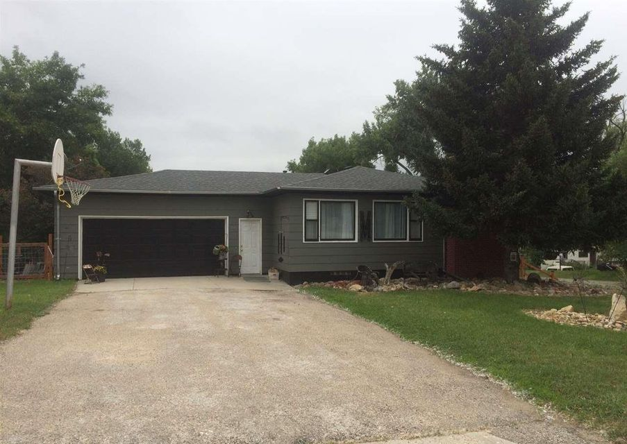 1011 Carrington Avenue,Buffalo,Wyoming 82834,5 Bedrooms Bedrooms,2.75 BathroomsBathrooms,Residential,Carrington,18-695