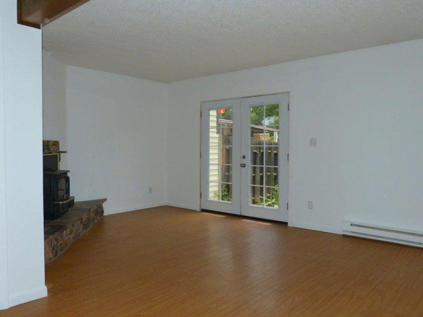 855 5th Street,Sheridan,Wyoming 82801,3 Bedrooms Bedrooms,1.5 BathroomsBathrooms,Residential,5th,18-734