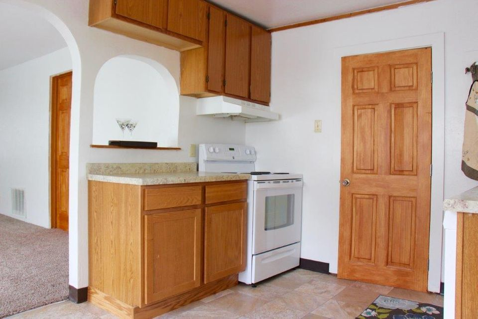 365 Wyoming Avenue,Sheridan,Wyoming 82801,2 Bedrooms Bedrooms,1.5 BathroomsBathrooms,Residential,Wyoming,18-743