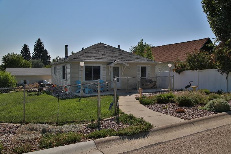 1301 Warren Avenue, Sheridan, Wyoming 82801, 2 Bedrooms Bedrooms, ,2 BathroomsBathrooms,Residential,For Sale,Warren,18-876