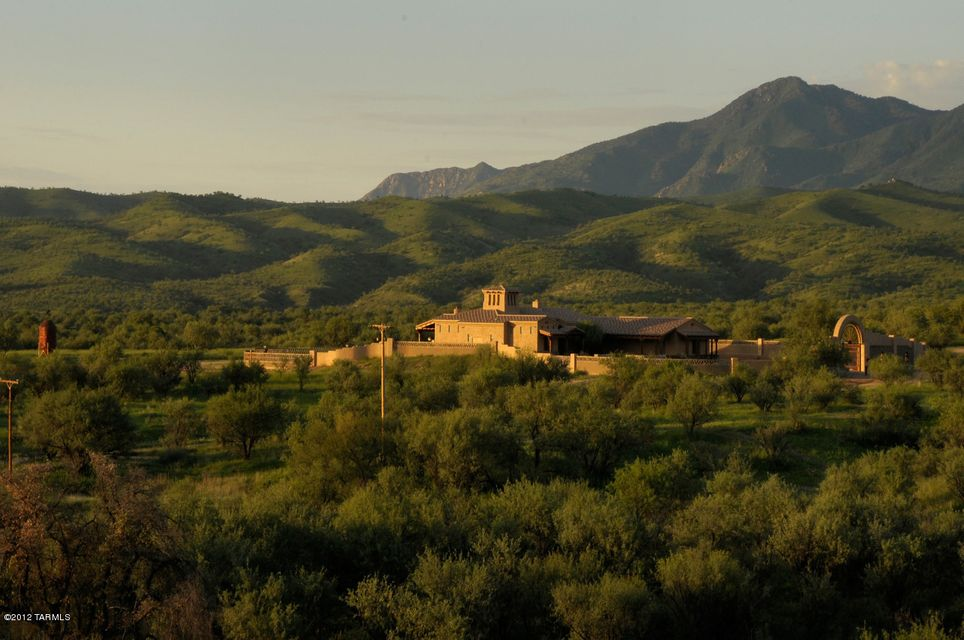 32 W DE PADRE Court, Nogales, AZ 85621