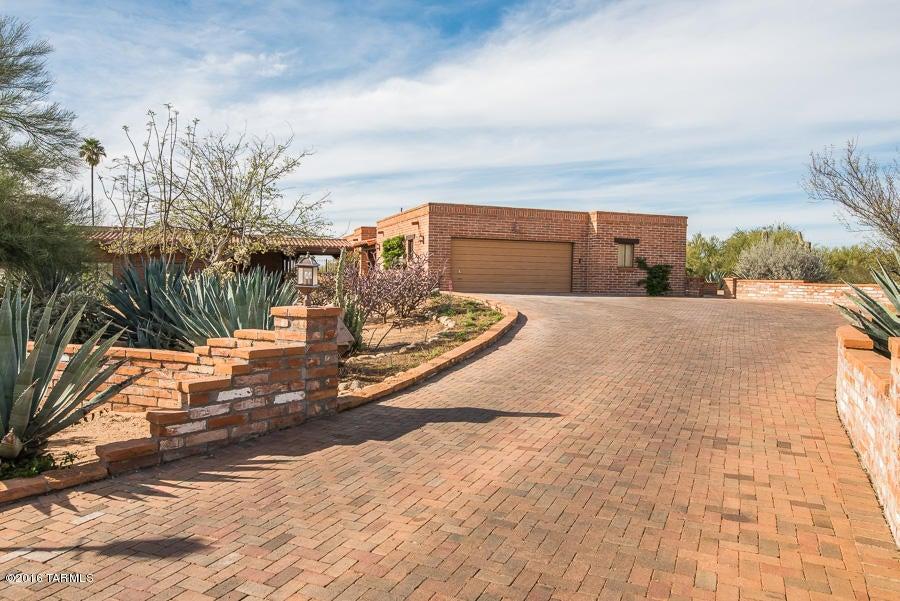2 W Alpia Way, Tucson, AZ 85704