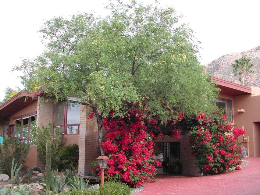 5463 E Gleneagles Drive, Tucson, AZ 85718