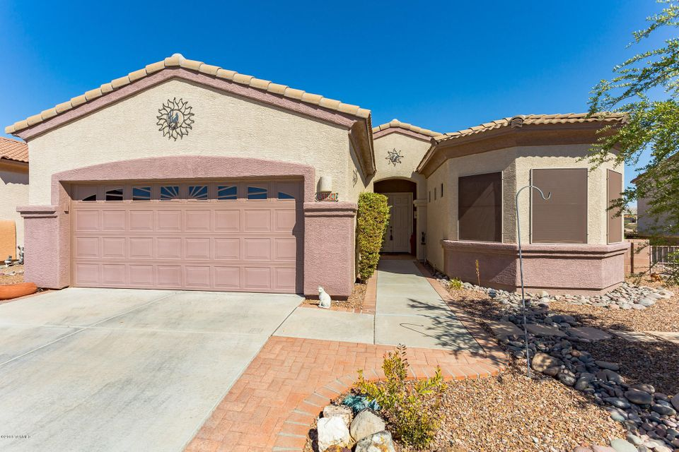 5124 S Via Loma Verde, Green Valley, AZ 85622