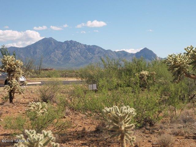 818 E Canyon Rock Road, Green Valley, AZ 85614