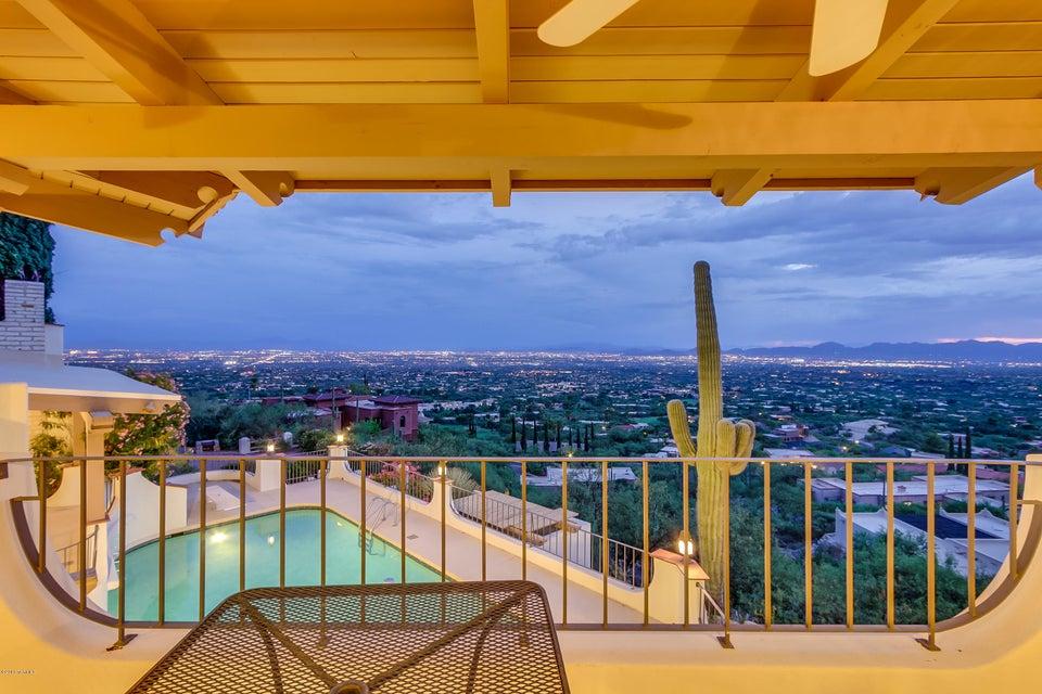 5141 E Oakmont Drive, Tucson, AZ 85718