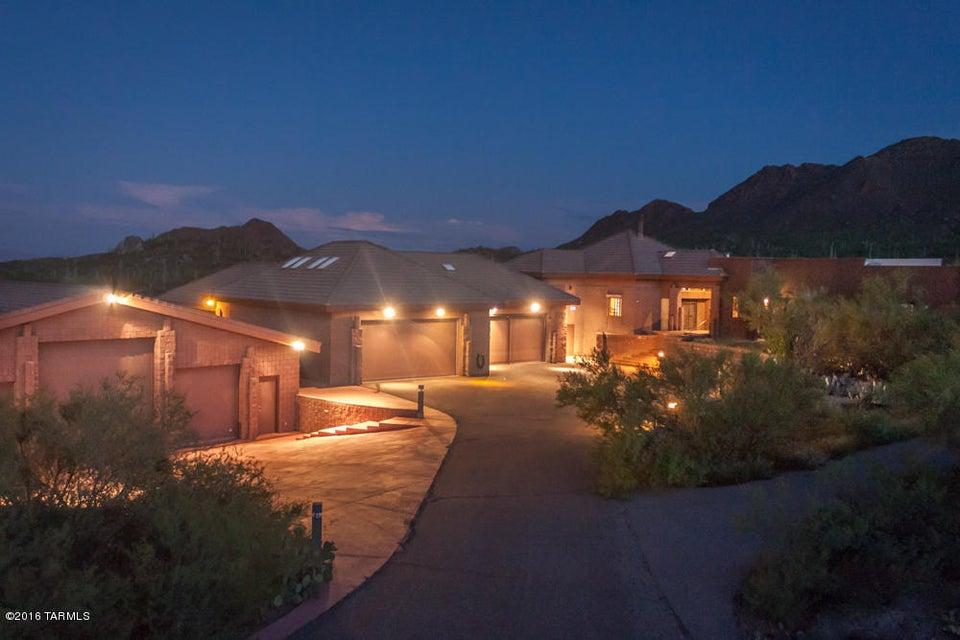 6501 W Sweetwater Drive, Tucson, AZ 85745