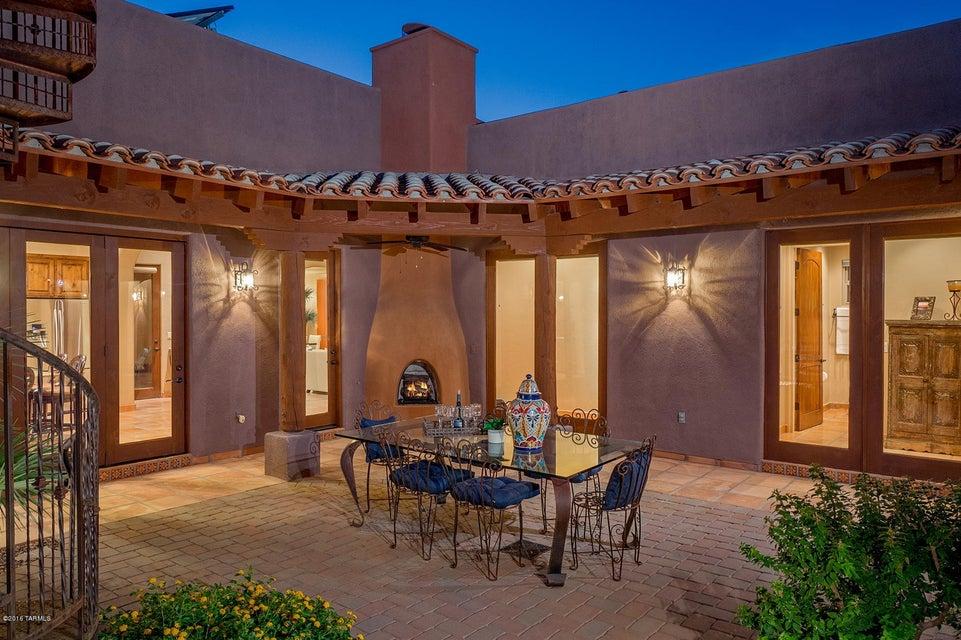 5560 W Open R Place, Tucson, AZ 85713