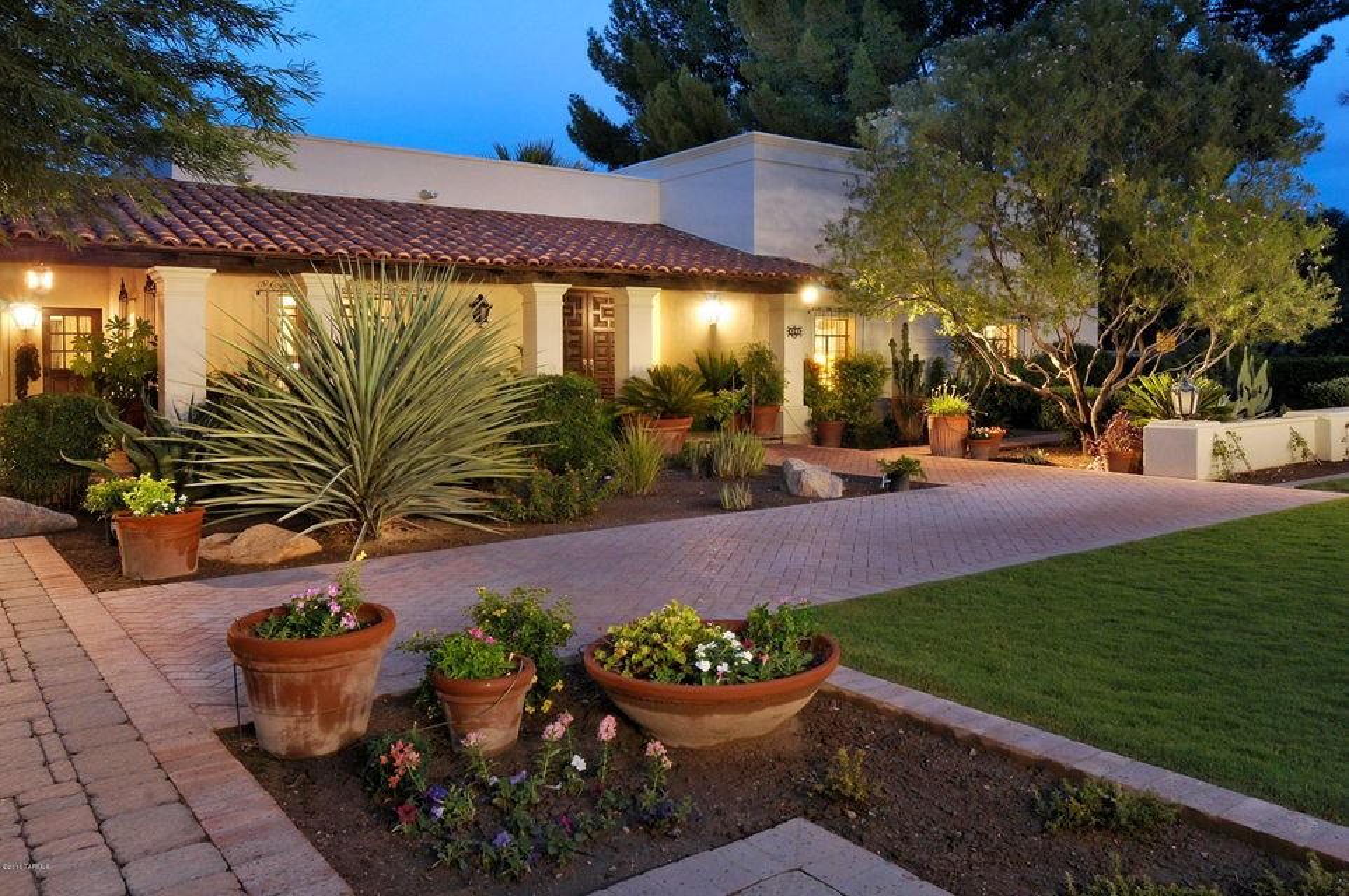 6141 E Miramar Drive, Tucson, AZ 85715