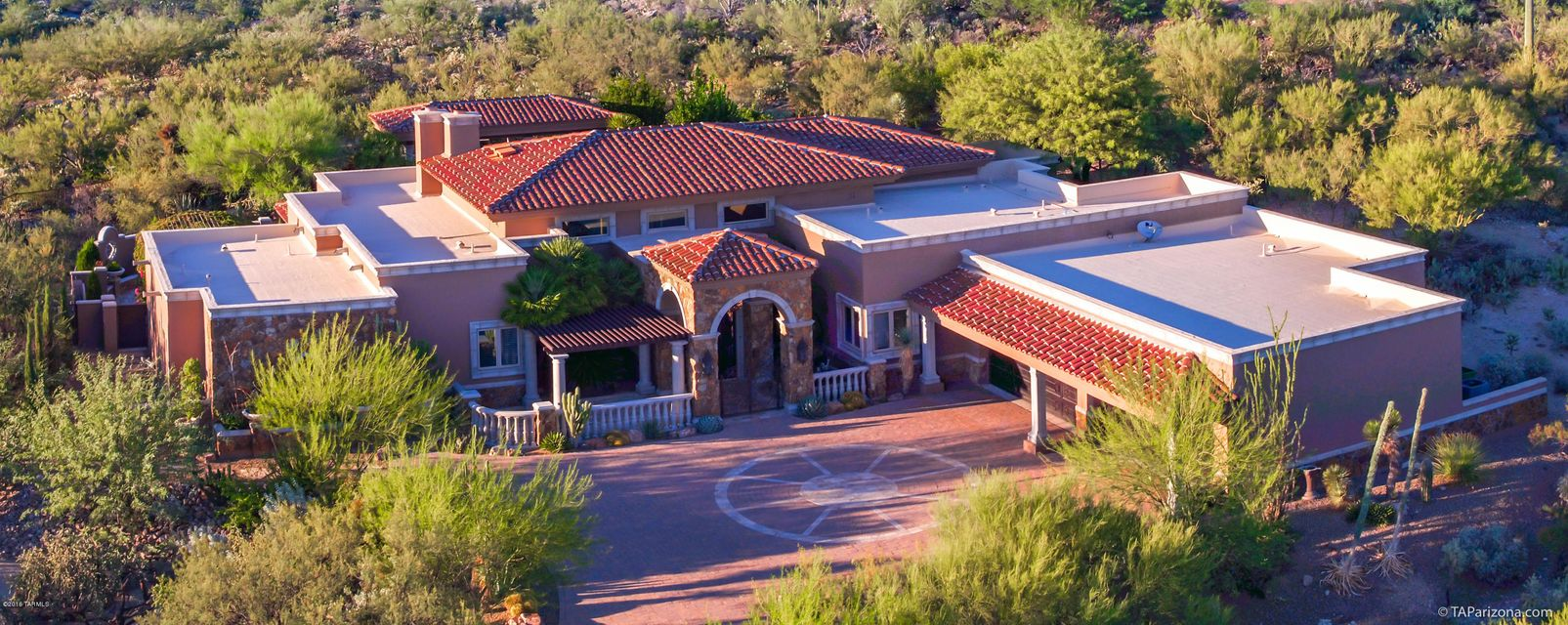 677 E Cool Mist Drive, Oro Valley, AZ 85755