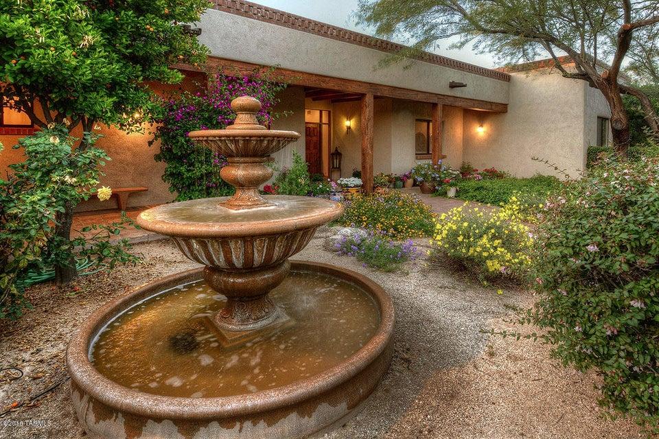 12165 E Fort Lowell Road, Tucson, AZ 85749