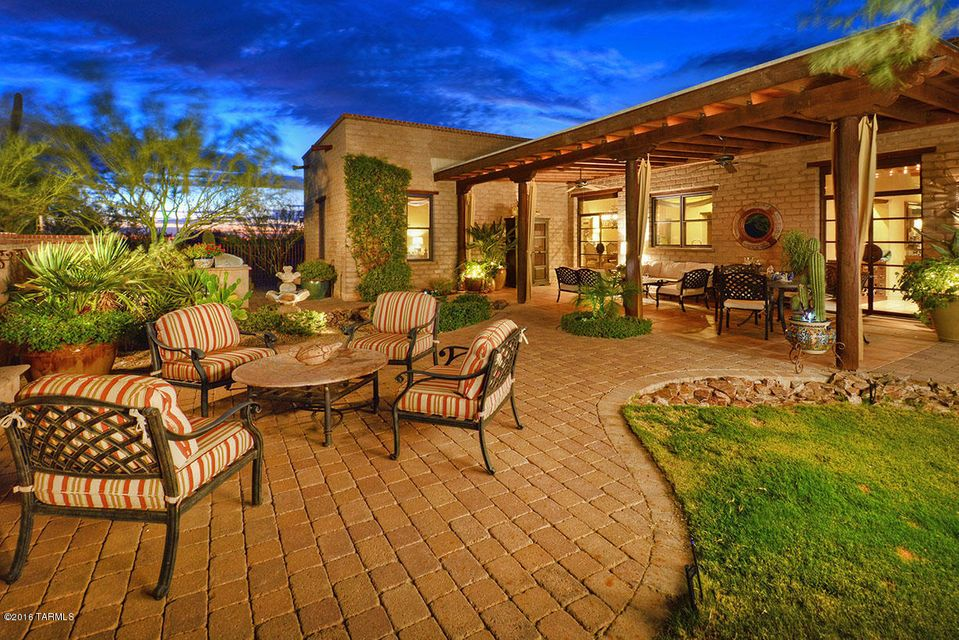 11764 N Adobe Village Place, Marana, AZ 85658