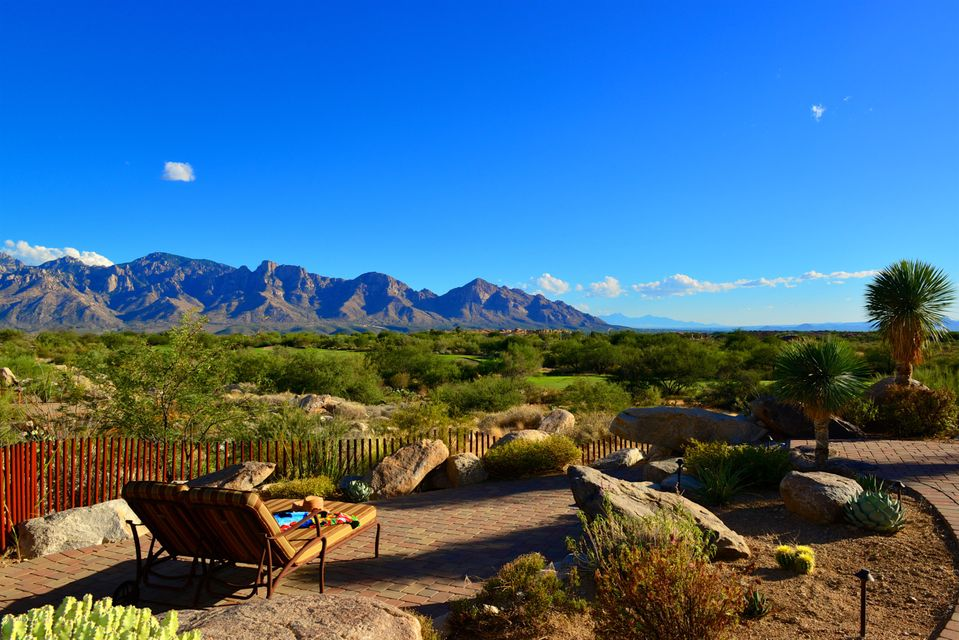 13925 N Stone Gate Place, Oro Valley, AZ 85755