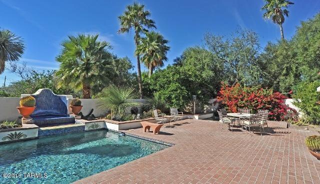 145 N Camino Espanol, Tucson, AZ 85716