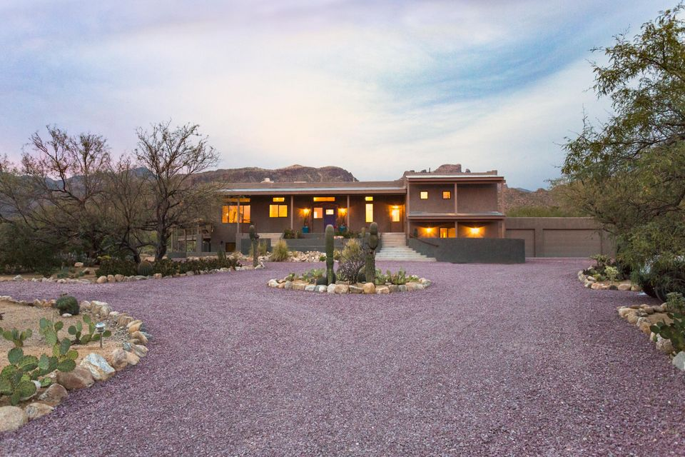 9061 E Bears Circle Drive, Tucson, AZ 85749