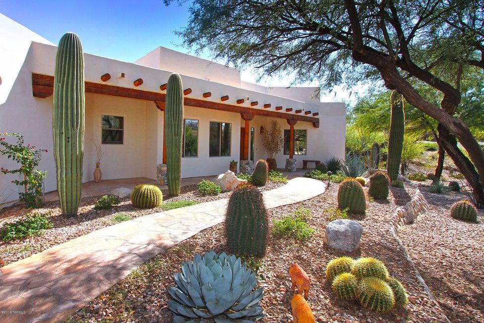 10936 N Poinsettia Drive, Oro Valley, AZ 85737
