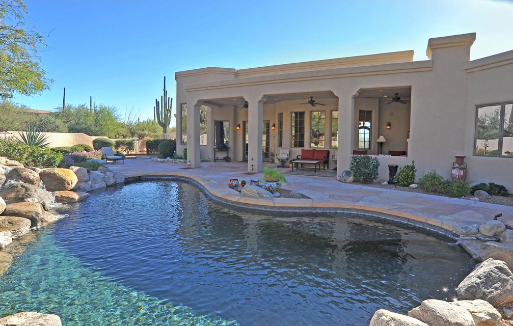 1933 E Sahuaro Blossom Place, Tucson, AZ 85718