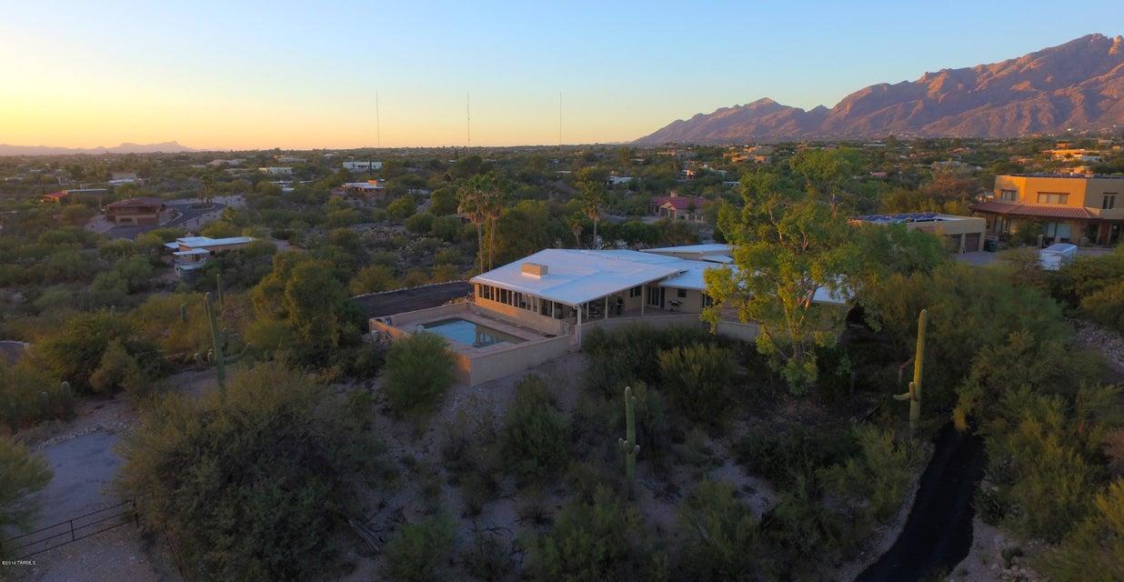 4991 E Via Nuez, Tucson, AZ 85718
