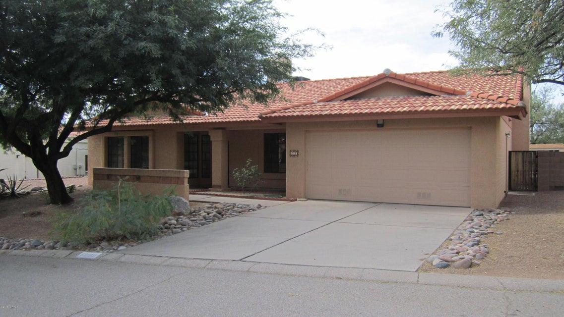 5669 N Via Umbrosa, Tucson, AZ 85750