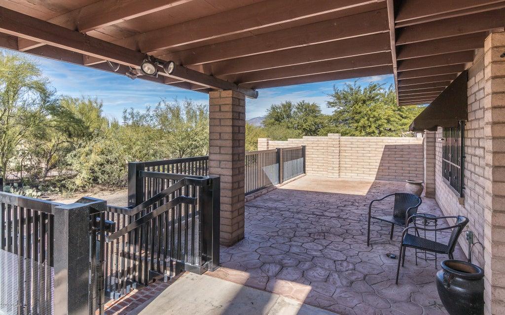 815 S Brown Street, Tucson, AZ 85710