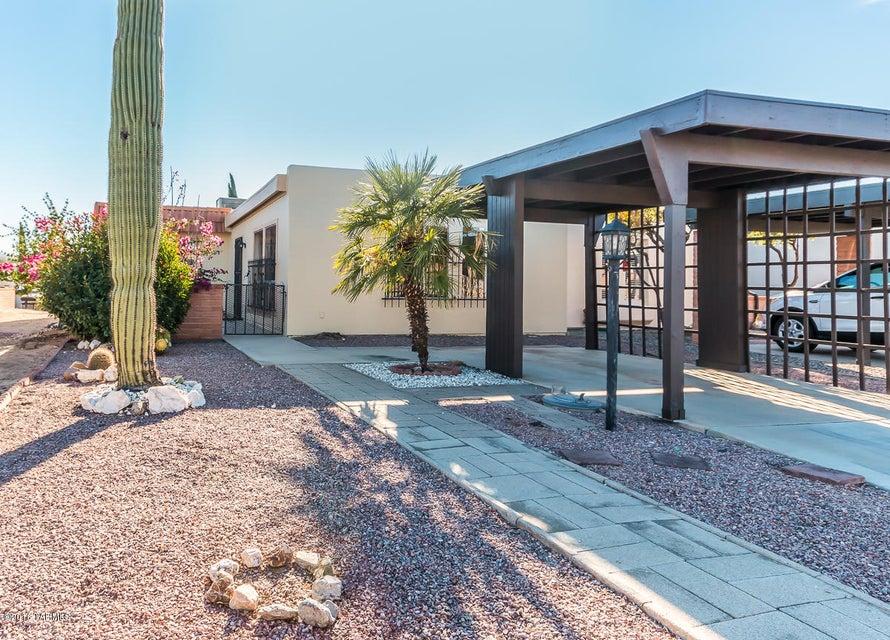 240 N Camino Del Vate, Green Valley, AZ 85614