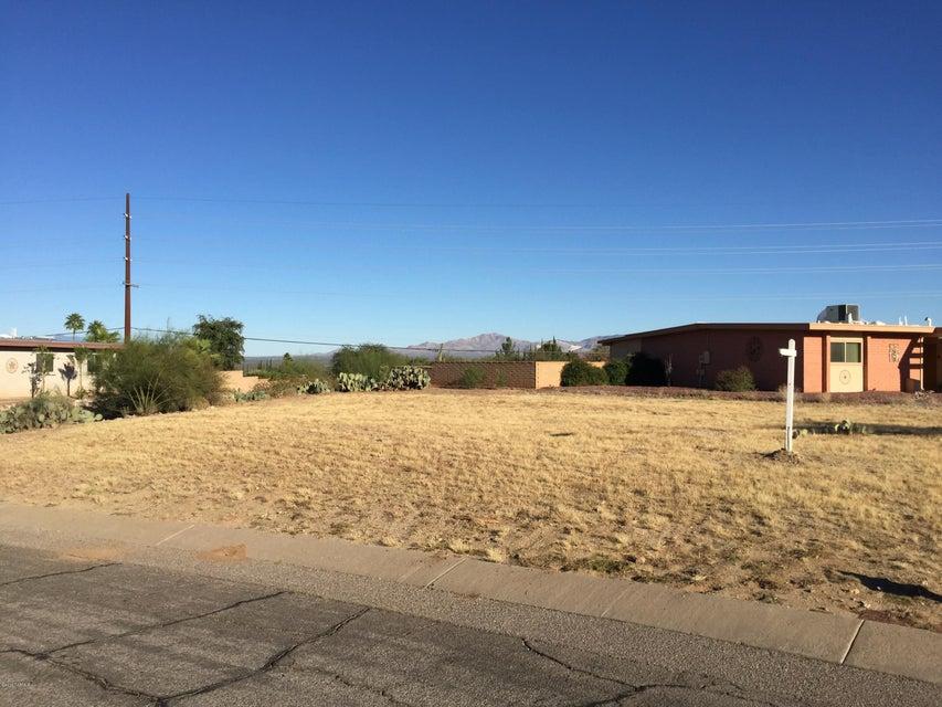 301 W Rio Santa Cruz, Green Valley, AZ 85614