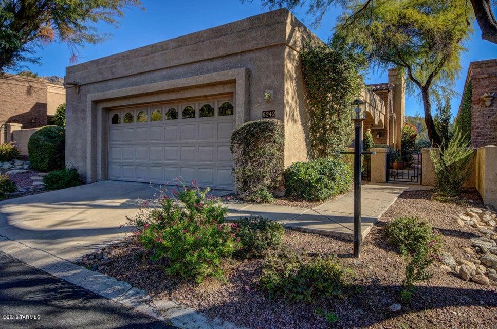 6242 N Calle Retreta Serena, Tucson, AZ 85750