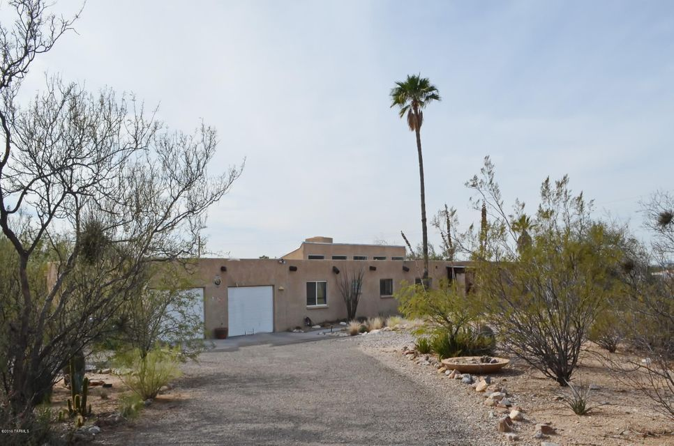 2555 N Tomahawk Trail, Tucson, AZ 85749