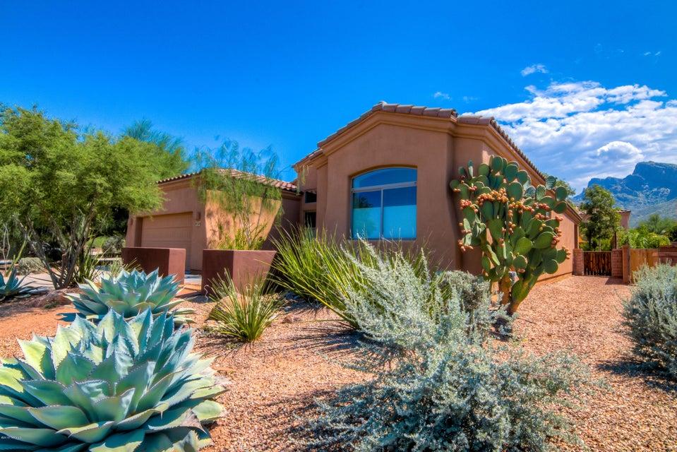 9566 N Placita Roca de Bronce, Tucson, AZ 85704