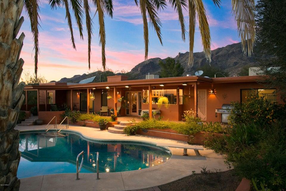 6520 N Mesa View Drive, Tucson, AZ 85718