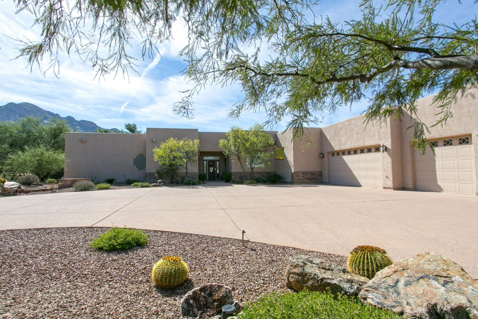 32 E Loch Lomond Place, Oro Valley, AZ 85737