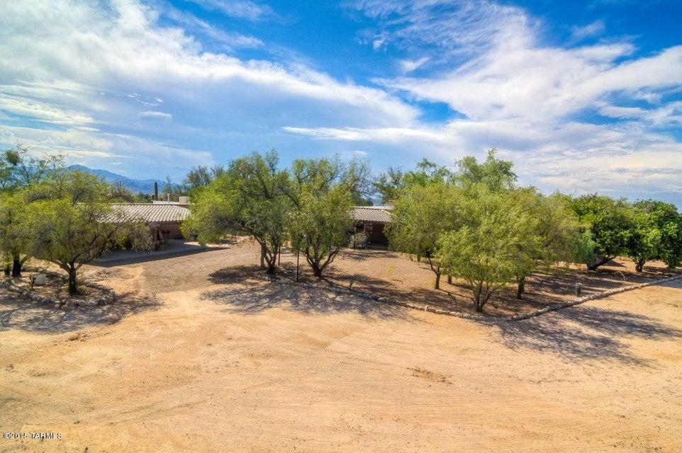 10080 N Quail Lane, Tucson, AZ 85742