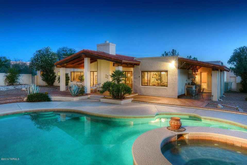5853 N Paseo Niquel, Tucson, AZ 85718