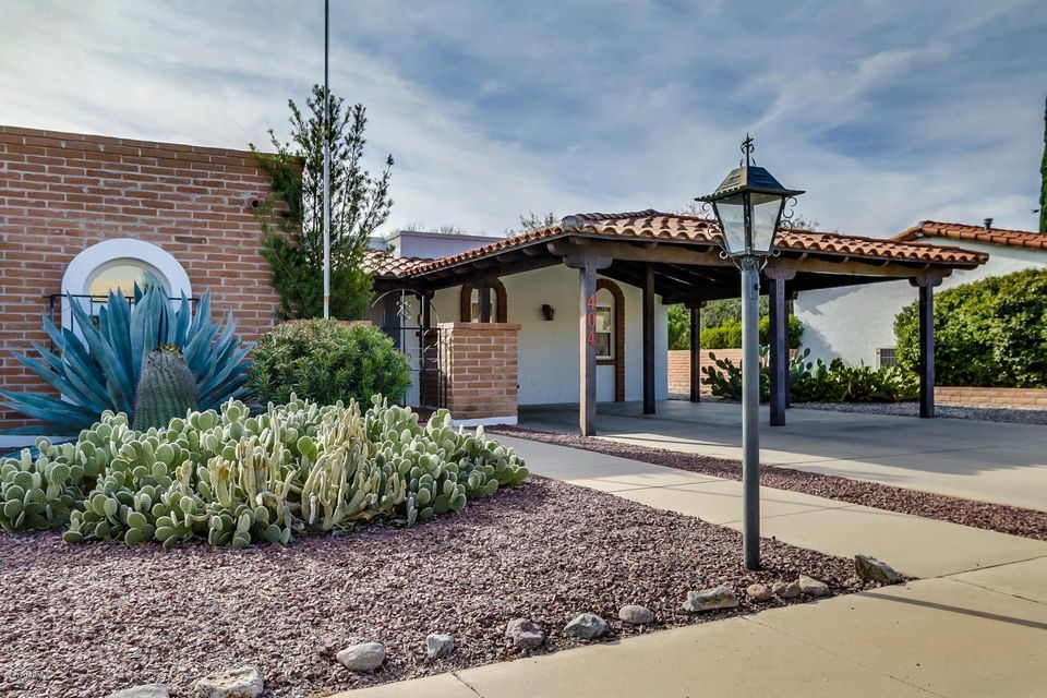 404 E Paseo Chuparosas, Green Valley, AZ 85614