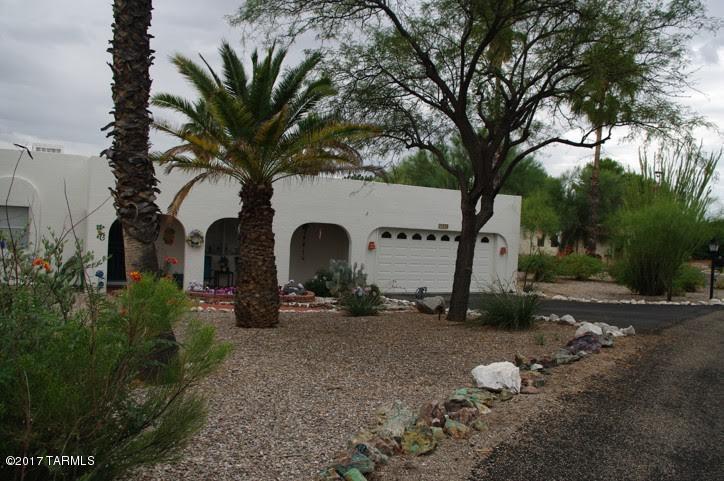 1530 N Paseo Del Cervato, Green Valley, AZ 85614