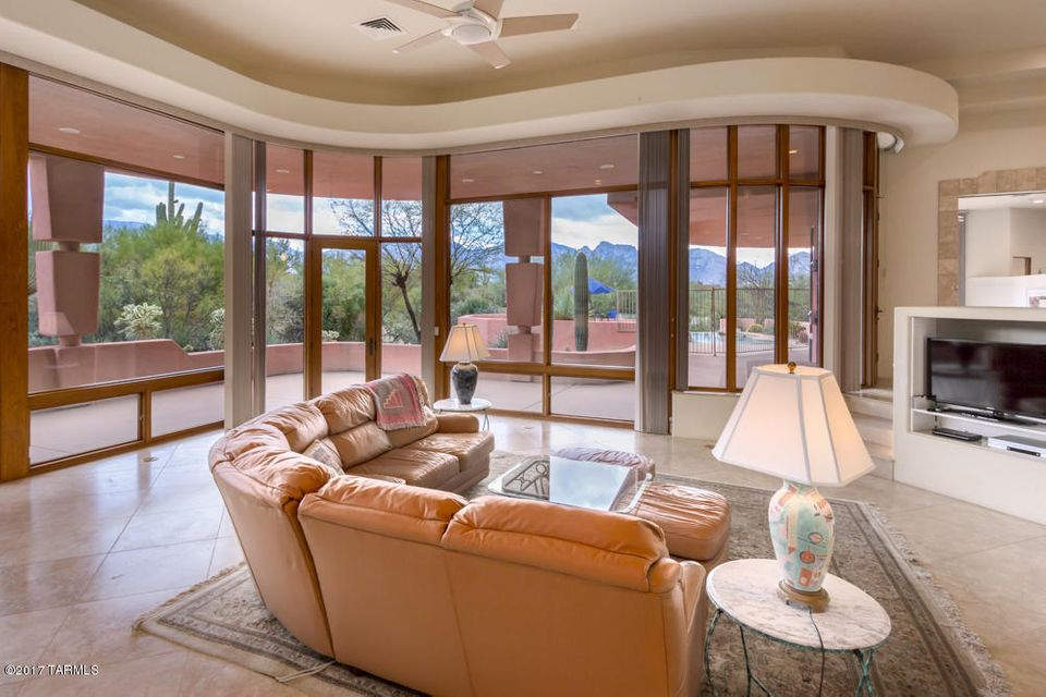 63 E Beekeeper Trail, Oro Valley, AZ 85755
