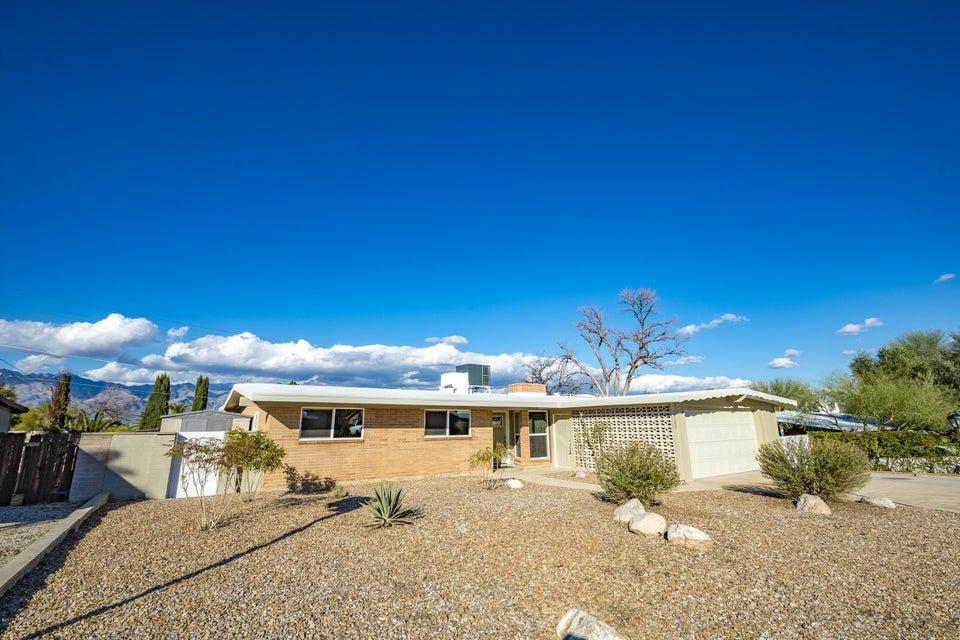 8509 E Rosewood Street, Tucson, AZ 85710
