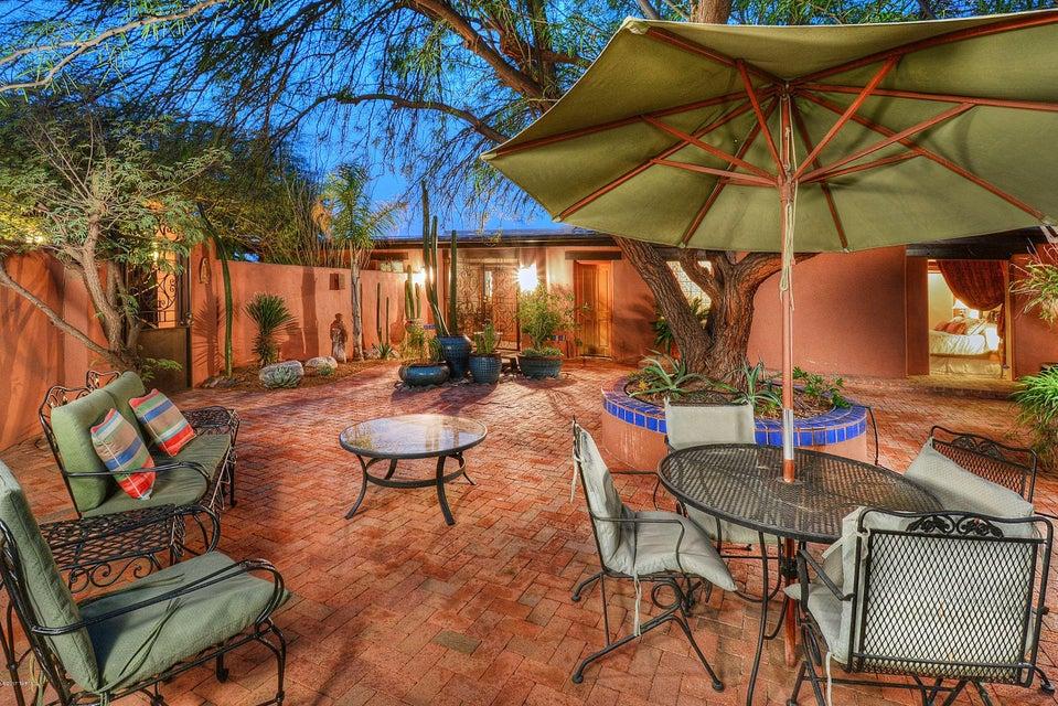 4737 N La Rueda, Tucson, AZ 85718