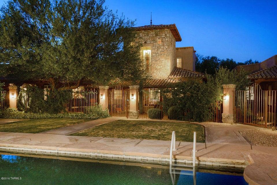 3828 N Adobe Garden Loop, Tucson, AZ 85716