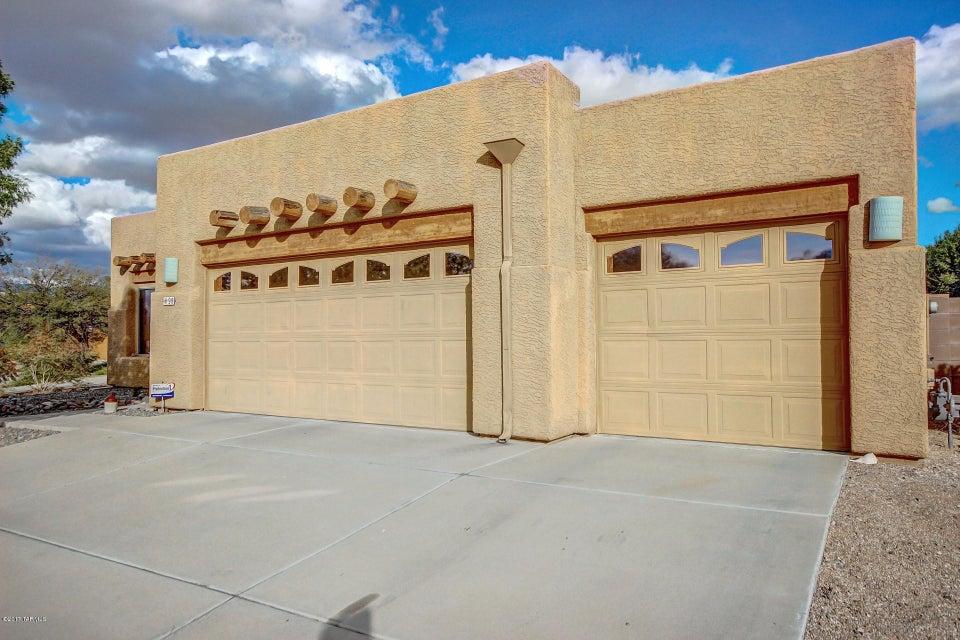 98 N White Willow Place, Tucson, AZ 85710
