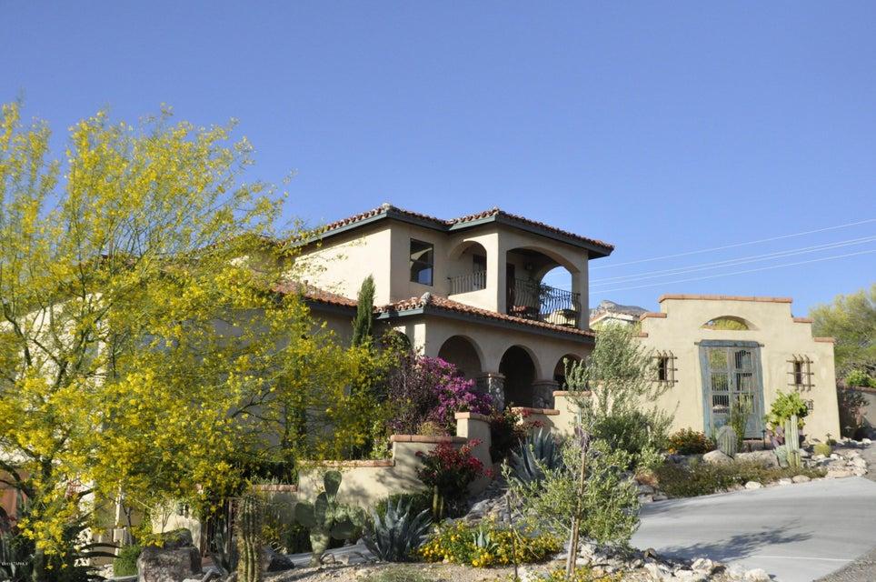 6981 N Ozona Drive, Tucson, AZ 85718