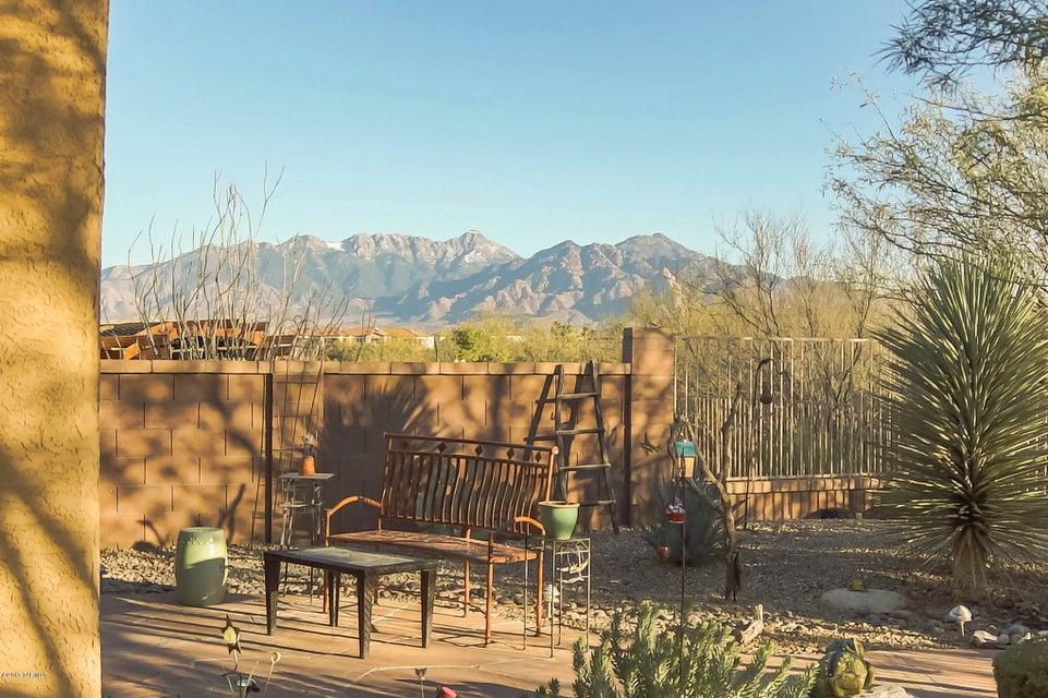 2443 W Music Mountains Drive, Green Valley, AZ 85622