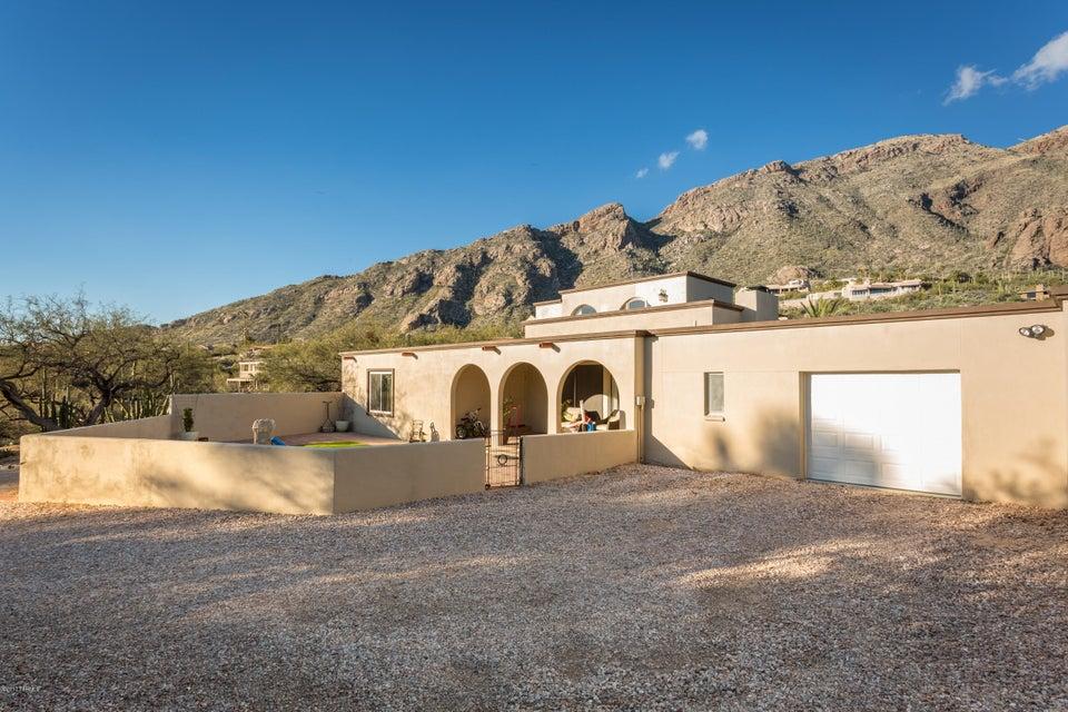 6770 N Mamaronick Drive, Tucson, AZ 85718